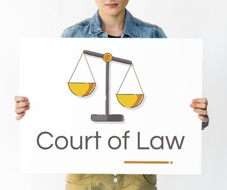 Vrouw met banner van rechtvaardigheid schaal rechten en wet illustratie Stockfoto