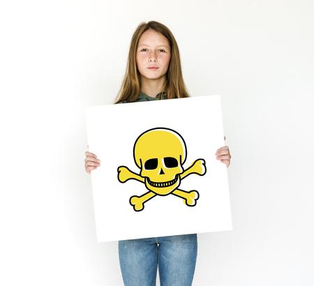 Sinal de marcação de perigo de mercadorias perigosas Foto de archivo - 81723822