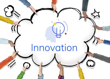 Innovazione Innovazione Ispirazione lampadina parola grafica Archivio Fotografico - 81884495
