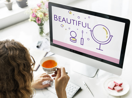Illustration der Schönheit Kosmetik Hautpflege auf Computer Standard-Bild - 82049216