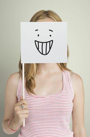 Dibujo Expresiones faciales Emociones Sentimientos Foto de archivo - 82049264