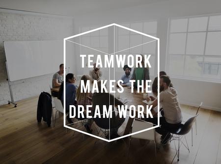 チームワークの夢仕事動機引用 写真素材