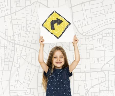 Jeune fille, tenue, réseau, graphique, superposition, bannière Banque d'images - 81996870