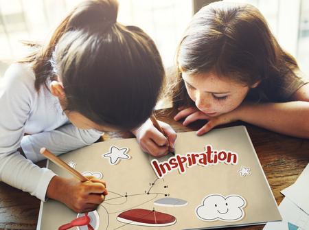 Kinder Spaß verbinden die Punkte Flugzeug Grafik Standard-Bild - 82021400