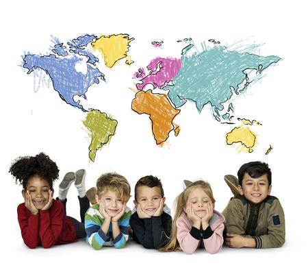 Kinder Bildung lernen mit Kartographie Mapping Grafik Standard-Bild - 82022323