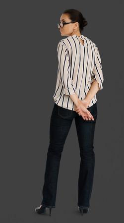 Femme debout Regardant l'arrière Vue arrière Banque d'images - 82442945