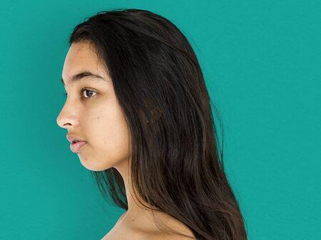 Jeune adulte femme topless portrait en studio Banque d'images - 82101985