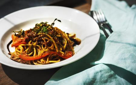 食品スタイリング スパゲッティ板クローズ アップ