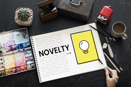 Hand arbeiten auf Notebook-Netzwerk Grafik-Overlay Standard-Bild - 82230088