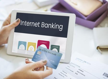 Mains travaillant sur la technologie numérique de système de réseau graphique Banque d'images - 82330816