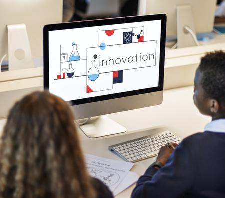혁신 창조적 아이디어 기술 개발 스톡 콘텐츠 - 82331611