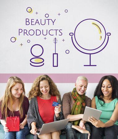Gruppe von Frauen mit Schönheit Kosmetik Makeover Hautpflege Standard-Bild - 82277160