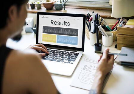 ビジネス パフォーマンス研究グラフの図 写真素材