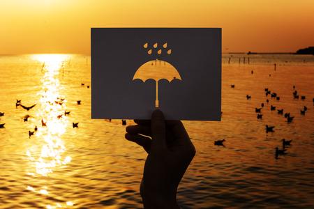 우천시 천공 종이 우산 스톡 콘텐츠