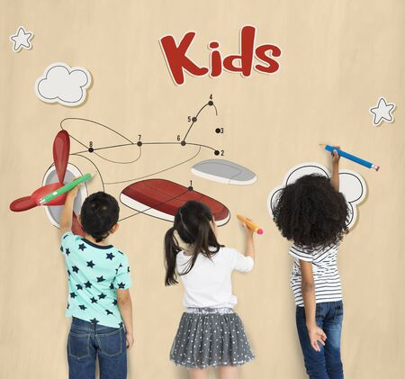 Children fun connect the dots airplane graphic Stock Photo - 82422927