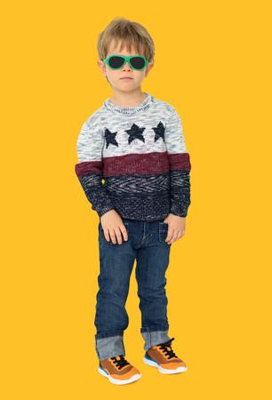 少年の子供ファッション楽しみ子供若い 写真素材 - 82506060