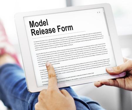 모델 출시 양식 응용 프로그램 개념 스톡 콘텐츠 - 82721992