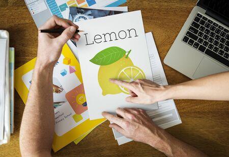 栄養価の高いビタミンのイラスト レモン健康食品