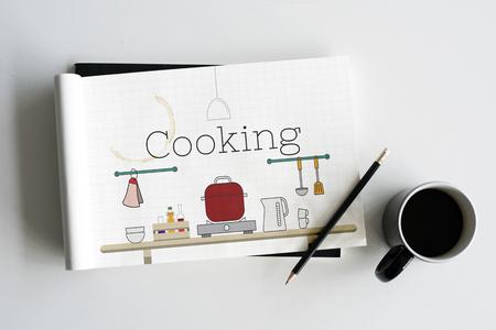 Illustratie van voedsel koken keuken gereedschap op notitieboekje Stockfoto - 82726375
