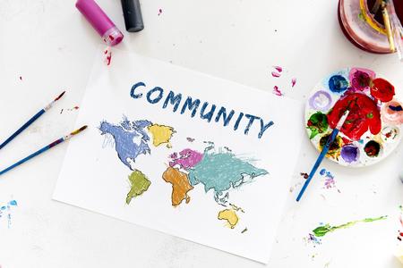 Cartografie wereldkaart tekening met kunst klasse Stockfoto - 82726086