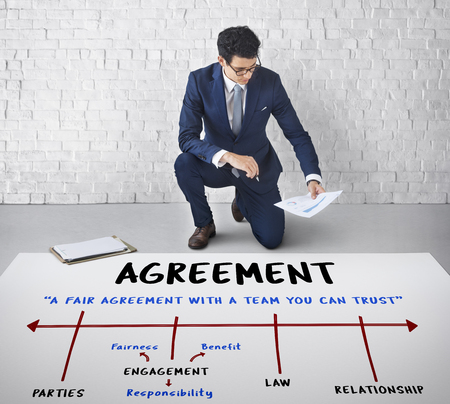 Agreement Commitment Negotiation Contract Deal Фото со стока