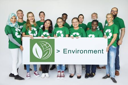 Group of Diverse People Showing Recycle Sign Eco Friendly Save Earth Word Graphic 版權商用圖片 - 82905371