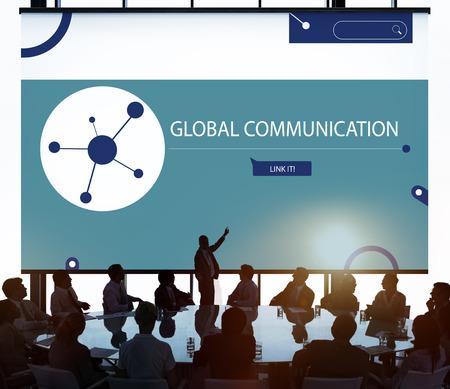 글로벌 네트워크 커뮤니케이션 기술로 연결된 사람들 스톡 콘텐츠