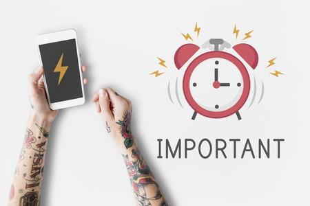 Notification d & # 39 ; alarme portable téléphone pour le rendez-vous important Banque d'images - 82840308