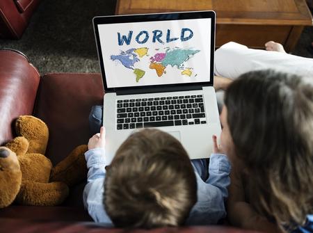 Kleurrijk Wereldkaart Geografie Concept