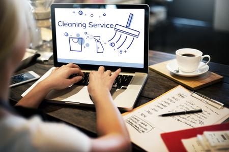 Illustration de service à domicile sur ordinateur portable Banque d'images - 82916612
