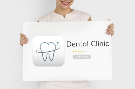 Illustrazione di cure odontoiatriche applicazione Archivio Fotografico - 82863029