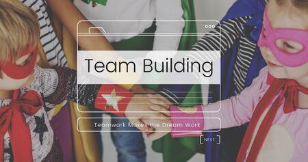 Trabajo en equipo Rendimiento Grupo Misión Mensaje Ventana Gráfico Foto de archivo - 82882195