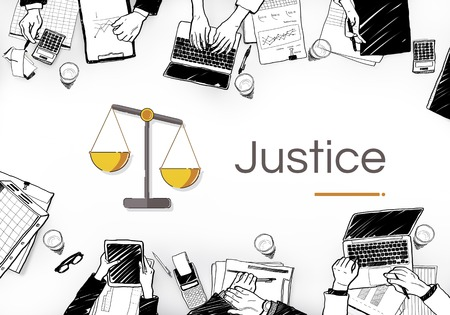 Illustration de l & # 39 ; échelle de justice Banque d'images - 82867277