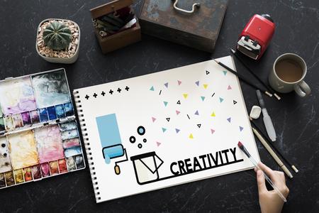 스케치북에 창의적인 예술 디자인의 그래픽 스톡 콘텐츠 - 83008178