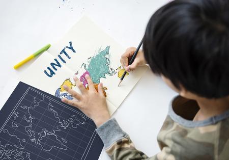 I bambini imparano l'istruzione con la cartografia mappatura grafica Archivio Fotografico - 83022653