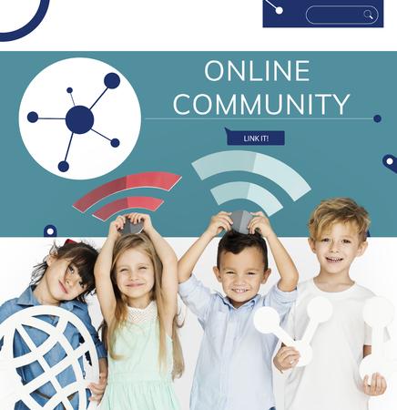 Children connected with Illustration of social media online communication Banco de Imagens