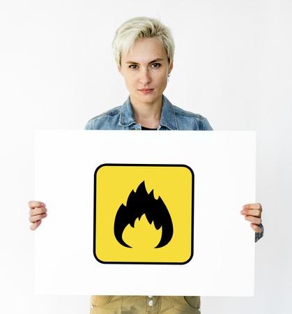 Signo de precaución de peligro de peligro Flamable Foto de archivo - 83007798
