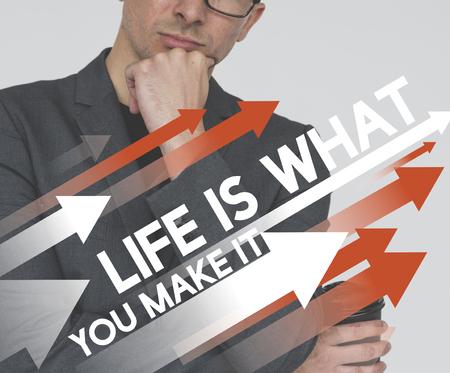 인생 동기 부여 성인 사업가 배경에 단어