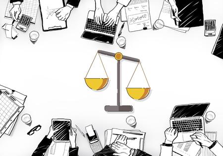 正義のスケールの権利と法律のイラスト 写真素材 - 83024843