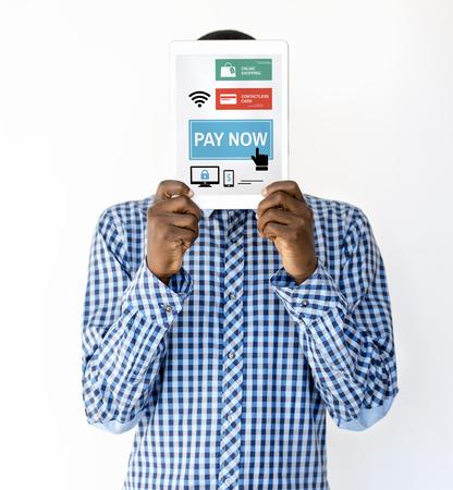 Man met netwerk grafische overlay digitale apparaat bedekken gezicht