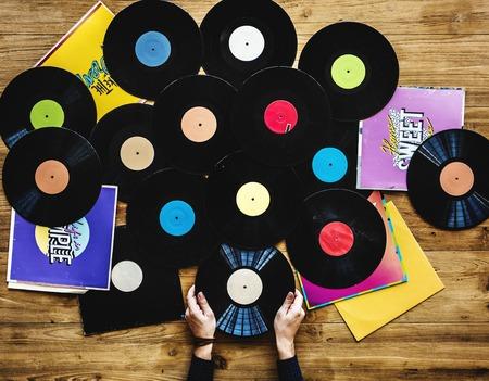 音楽プレーヤーとレコードのディスク