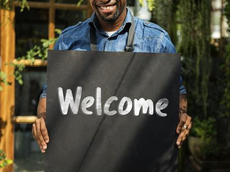 Welkomstfrase beschikbaar die wordt geopend Stockfoto