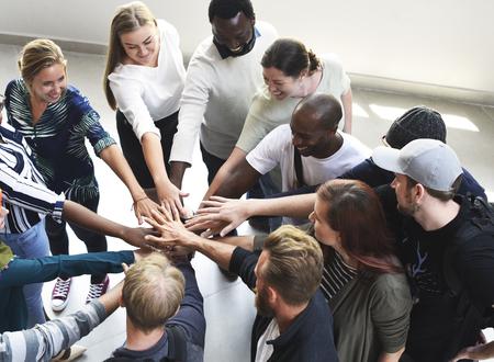 Spotkanie dyskusyjne na temat kreatywnych pomysłów grupowych Zdjęcie Seryjne
