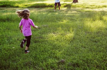 가족 세대 육아 공동체 휴식 개념