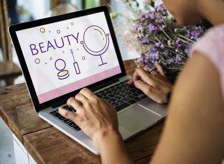Illustration of beauty cosmetics makeover skincare on laptop Stock fotó - 82959699