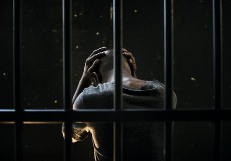 Mann hinter Gittern Konzept Standard-Bild