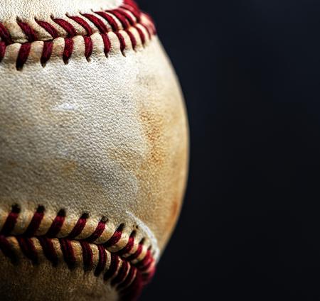 茶色の野球ボール スポーツ用具のクローズ アップ