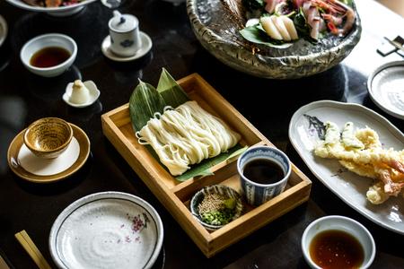 테이블에 놓인 일본 음식 스톡 콘텐츠