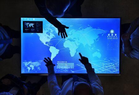 技術サイバー空間会議の人々