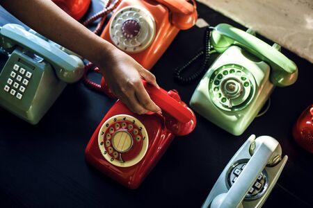 アンティークのロータリー ダイヤル レトロな自宅の電話